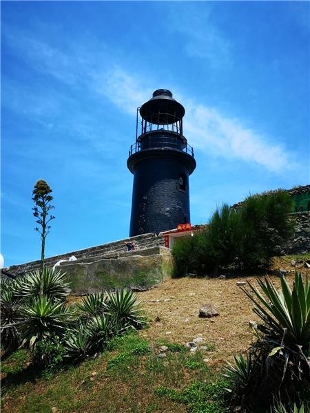 東椗島燈塔