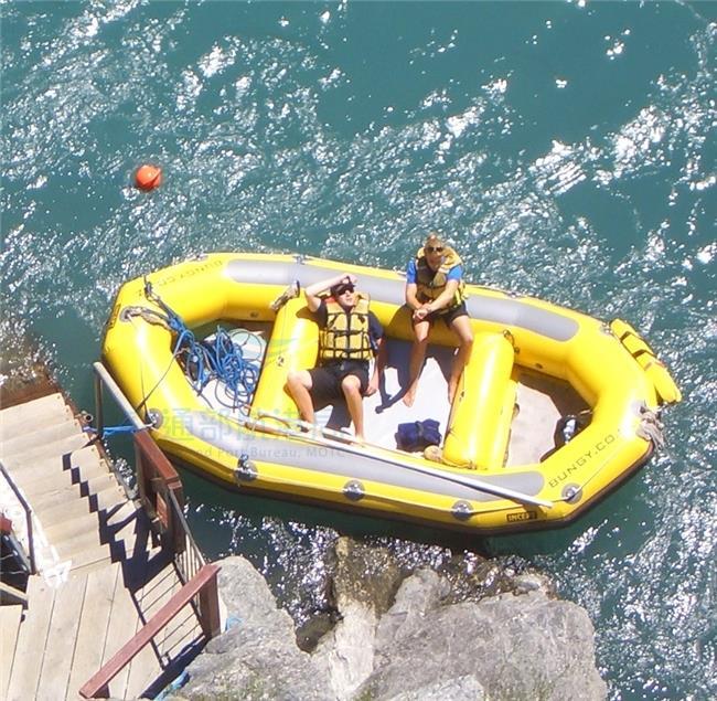 船舶法不適用之浮具(充氣筏)